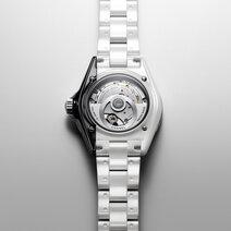 Chanel: J12 Paradoxe