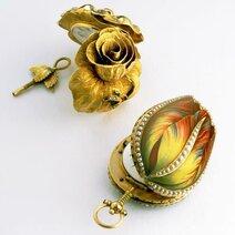 Tulipe en or émaillé et perles