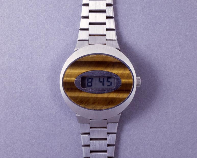 Quartz watch © MIH